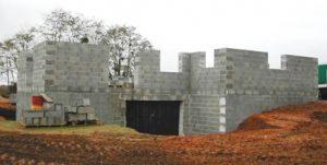 Construire une maison en pierre ponce serinitas for Maison en pierre ponce